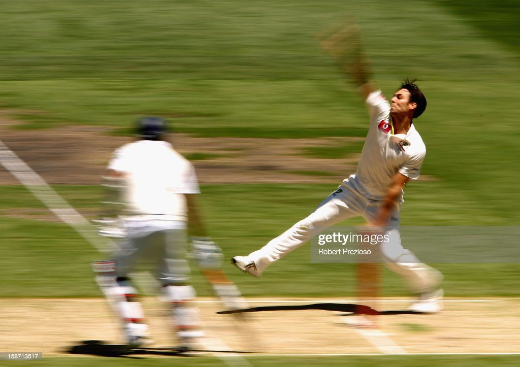 Mitchell Johnson of Australia bowls during day one of the Second Test match between Australia and Sri Lanka at Melbourne Cricket Ground on December 26, 2012 in Melbourne, Australia.