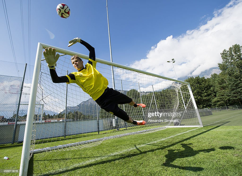 <a gi-track='captionPersonalityLinkClicked' href=/galleries/search?phrase=Mitchell+Langerak&family=editorial&specificpeople=4320478 ng-click='$event.stopPropagation()'>Mitchell Langerak</a> (BVB) of Borussia Dortmund during a training session in the Borussia Dortmund training camp on July 31, 2014 in Bad Ragaz, Switzerland.