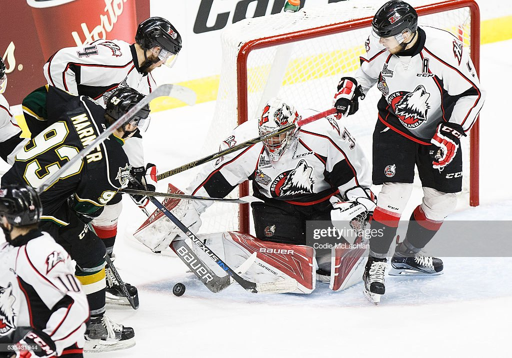 Mitchell Marner #93 of the London Knights (OHL) can't put the puck past Goaltender Chase Marchand #35 of the Rouyn-Noranda Huskies (QMJHL) during the Memorial Cup Final on May 29, 2016 at the Enmax Centrium in Red Deer, Alberta, Canada.