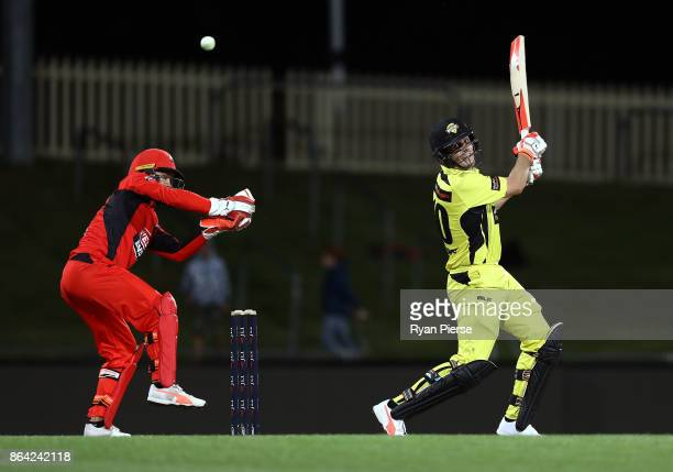 Mitchell Marsh of the Warriors bats during the JLT One Day Cup Final match between Western Australia and South Australia at Blundstone Arena on...