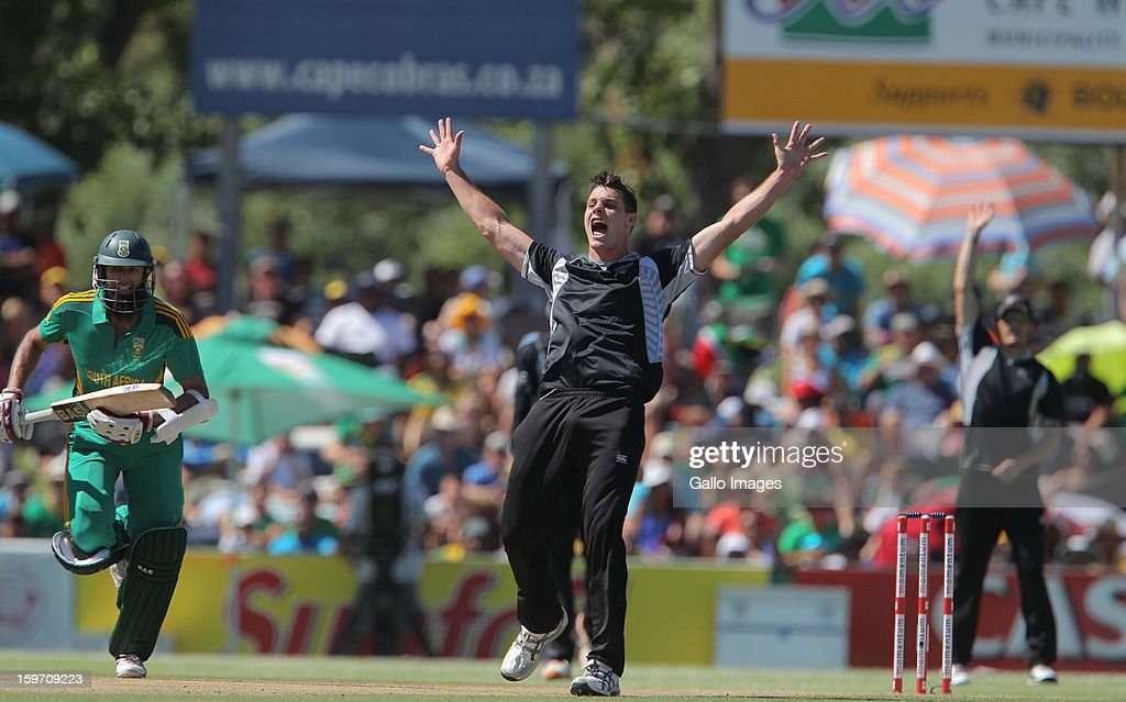 Mitchell McClenaghan of New Zealand appeals for an LBW against Hashim Amla from the Proteas during the 1st One Day International match between South Africa and New Zealand at Boland Park on January 19, 2013 in Paarl, South Africa.