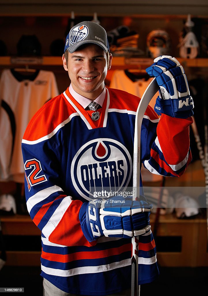 Mitchell Moroz, 32nd overall pick by the Edmonton Oilers, poses for a portrait during the 2012 NHL Entry Draft at Consol Energy Center on June 23, 2012 in Pittsburgh, Pennsylvania.