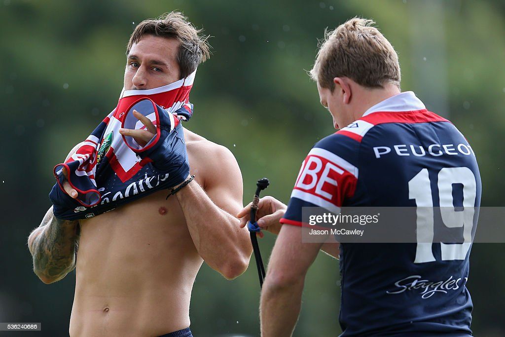 <a gi-track='captionPersonalityLinkClicked' href=/galleries/search?phrase=Mitchell+Pearce&family=editorial&specificpeople=4208962 ng-click='$event.stopPropagation()'>Mitchell Pearce</a> of the Roosters during a Sydney Roosters NRL training session at Moore Park on June 1, 2016 in Sydney, Australia.