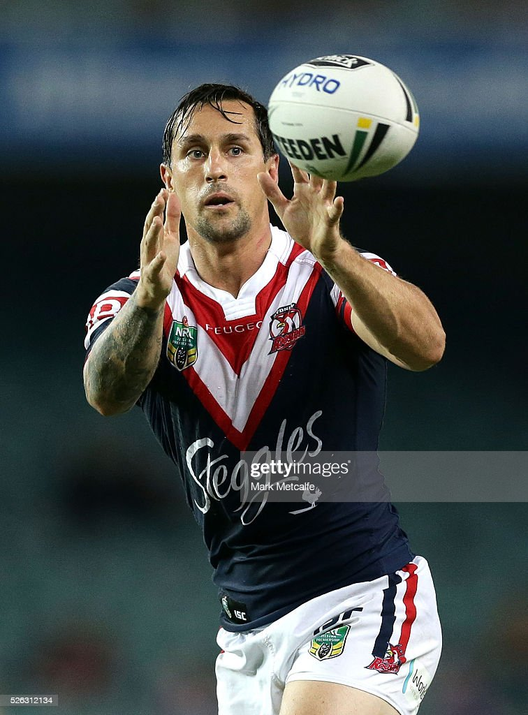 <a gi-track='captionPersonalityLinkClicked' href=/galleries/search?phrase=Mitchell+Pearce&family=editorial&specificpeople=4208962 ng-click='$event.stopPropagation()'>Mitchell Pearce</a> of the Roosters in action during the round nine NRL match between the Sydney Roosters and the Newcastle Knights at Allianz Stadium on April 30, 2016 in Sydney, Australia.