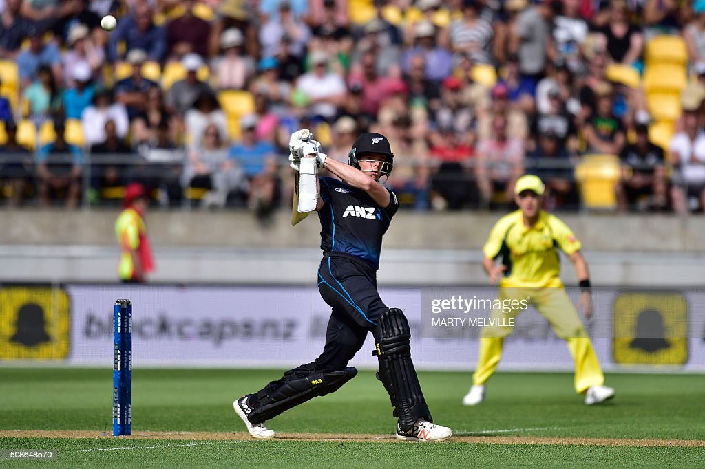 Mitchell Santner of New Zealand plays a shot during the 2nd one-day international cricket match between New Zealand and Australia at Westpac Stadium in Wellington on February 6, 2016. AFP PHOTO / MARTY MELVILLE / AFP / Marty Melville