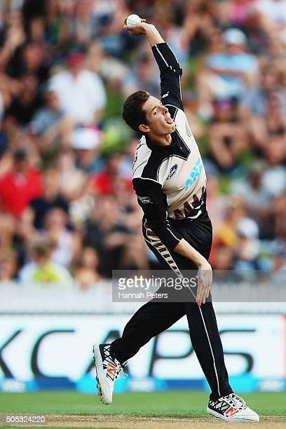 Mitchell Santner of the Black Caps bowls during the International Twenty20 match between New Zealand and Pakistan at Seddon Park on January 17 2016...