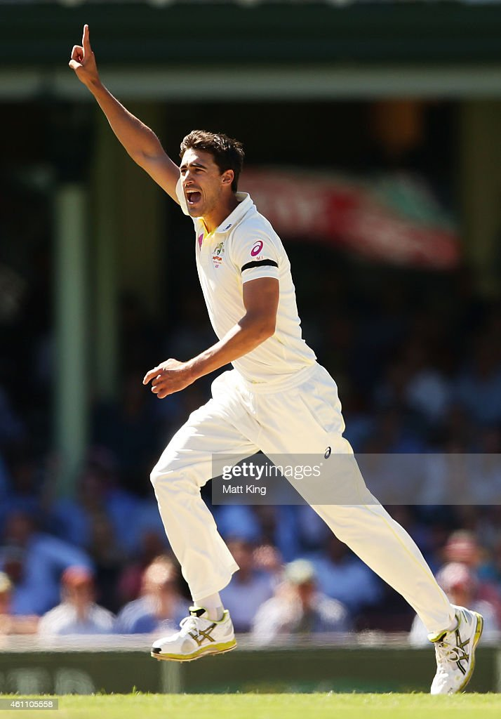 <a gi-track='captionPersonalityLinkClicked' href=/galleries/search?phrase=Mitchell+Starc&family=editorial&specificpeople=6475541 ng-click='$event.stopPropagation()'>Mitchell Starc</a> of Australia celebrates taking the wicket of Murali Vijay of India during day two of the Fourth Test match between Australia and India at Sydney Cricket Ground on January 7, 2015 in Sydney, Australia.