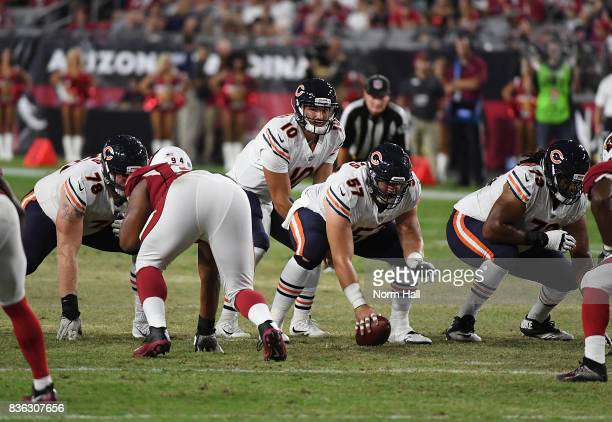 Mitchell Trubisky of the Chicago Bears gets ready to take the snap from Taylor Boggs against the Arizona Cardinals at University of Phoenix Stadium...