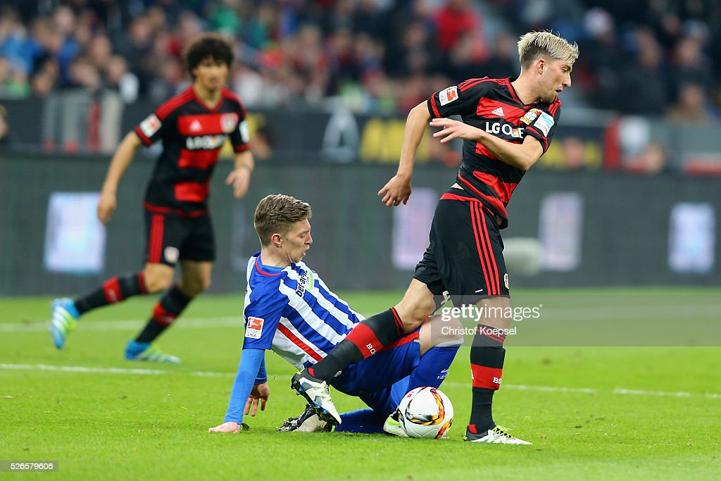<a gi-track='captionPersonalityLinkClicked' href=/galleries/search?phrase=Mitchell+Weiser&family=editorial&specificpeople=6732587 ng-click='$event.stopPropagation()'>Mitchell Weiser</a> of Berlin challenges <a gi-track='captionPersonalityLinkClicked' href=/galleries/search?phrase=Kevin+Kampl&family=editorial&specificpeople=6527116 ng-click='$event.stopPropagation()'>Kevin Kampl</a> of Leverkusen during the Bundesliga match between Bayer Leverkusen and Hertha BSC Berlin at BayArena on April 30, 2016 in Leverkusen, Germany.
