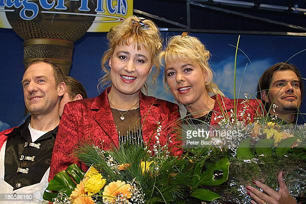 Mitglieder der Musikgruppe 'Die Klostertaler' Brogitte Götz Schwester Erika Bruhn Daniel Fehlow 'Gala zur Verleihung des Internationalen...