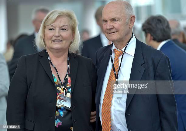 Mitglieder des Aufsichtsrates der AUDI AG Ursula Piech und Ferdinand Piech waehrend der Aktionaers Hauptversammlung der AUDI AG am 22 Mai 2014 in...