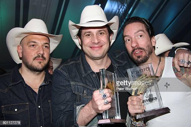 Mitglieder 'The Boss Hoss' mit Alec Vökel alias 'Boss Burns' mit Sascha Vollmer AftershowParty nach PreisVerleihung 16 'Radio RegenbogenAward'...