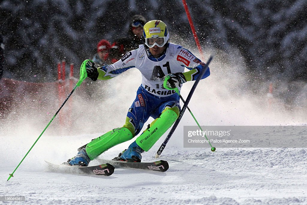 <a gi-track='captionPersonalityLinkClicked' href=/galleries/search?phrase=Mitja+Valencic&family=editorial&specificpeople=887939 ng-click='$event.stopPropagation()'>Mitja Valencic</a> of Slovenia in action during the Audi FIS Alpine Ski World Cup Men's Slalom on December 21, 2011 in Flachau, Austria.