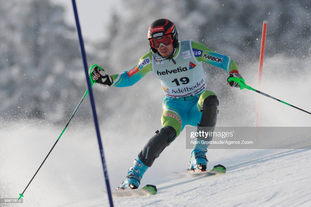<a gi-track='captionPersonalityLinkClicked' href=/galleries/search?phrase=Mitja+Valencic&family=editorial&specificpeople=887939 ng-click='$event.stopPropagation()'>Mitja Valencic</a> of Slovenia takes 9th during the Audi FIS Alpine Ski World Cup Men's Slalom on January 10, 2010 in Adelboden, Switzerland.