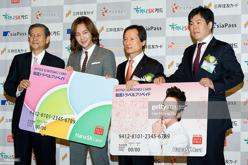 Mitsui Sumitomo Card Company, Ltd President Hideo Shimada, actor Jang Keun-Suk, Hana SK Card CEO, Jeong Hae-Boong and Asia Pass Chairman, Kim Tae-Gun pose for media the promotional event of 'Mitsui Sumitomo Card' Korea Travel Prepaid at Lotte Hotel on November 13, 2012 in Seoul, South Korea.