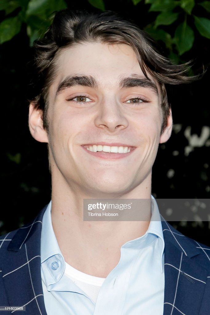 <a gi-track='captionPersonalityLinkClicked' href=/galleries/search?phrase=RJ+Mitte&family=editorial&specificpeople=4542119 ng-click='$event.stopPropagation()'>RJ Mitte</a> attends the Academy of Science Fiction, Fantasy & Horror Films 2013 Saturn Awards at The Castaway on June 26, 2013 in Burbank, California.