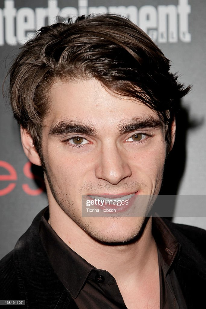 <a gi-track='captionPersonalityLinkClicked' href=/galleries/search?phrase=RJ+Mitte&family=editorial&specificpeople=4542119 ng-click='$event.stopPropagation()'>RJ Mitte</a> attends the Entertainment Weekly SAG Awards pre-party at Chateau Marmont on January 17, 2014 in Los Angeles, California.