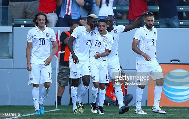 Mix Diskerud Gyasi Zardes Miguel Ibarra Jozy Altidore and Clint Dempsey of the USA celebrate Dempsey's goal against Panama during the international...
