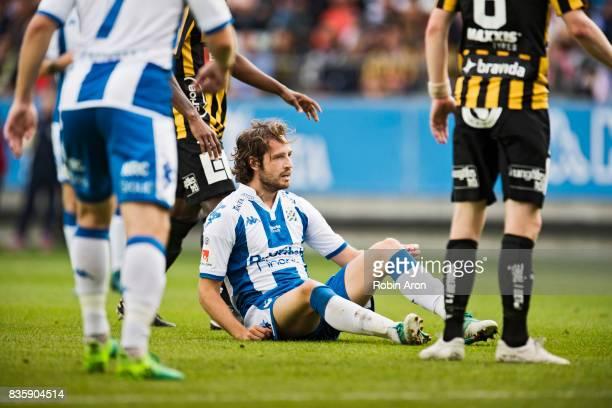 Mix Diskerud of IFK Goteborg dejected during the Allsvenskan match between IFK Goteborg and BK Hacken at Gamla Ullevi on August 20 2017 in Gothenburg...