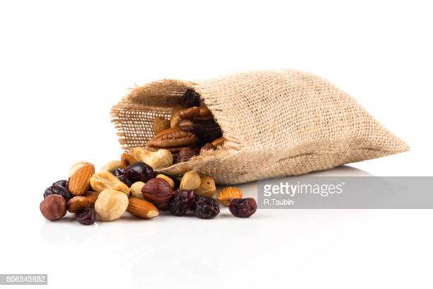 Mix nuts, dry fruits and grapes