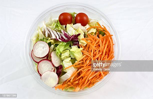 Mix salad with radish
