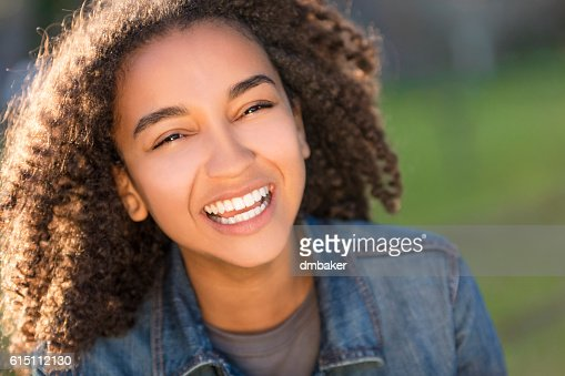 Mixed Race African American Girl Teenager With Perfect Teeth : Foto de stock