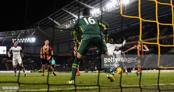 Mo Diame scores Newcastle's goal during the EFL Cup QuarterFinal match between Hull City and Newcastle United at KCOM Stadium on November 29 2016 in...