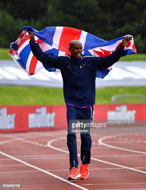 Mo Farah of Great Britain celebrates following victory in the Mens 3000m during the Muller Grand Prix Birmingham meeting on August 20 2017 in...