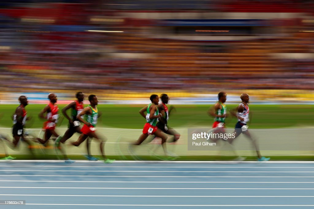 Mo Farah of Great Britain leads the pack in the Men's 5000 metres final during Day Seven of the 14th IAAF World Athletics Championships Moscow 2013 at Luzhniki Stadium at Luzhniki Stadium on August 16, 2013 in Moscow, Russia.