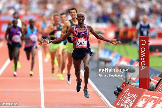 Mo Farah of Great Britain wins the Men's 3000m during the Muller Anniversary Games at London Stadium on July 9 2017 in London England