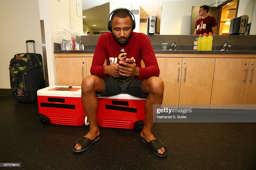 Mo Williams of the Cleveland Cavaliers gets ready before Game Six of the NBA Eastern Conference Finals against the Toronto Raptors at Air Canada...