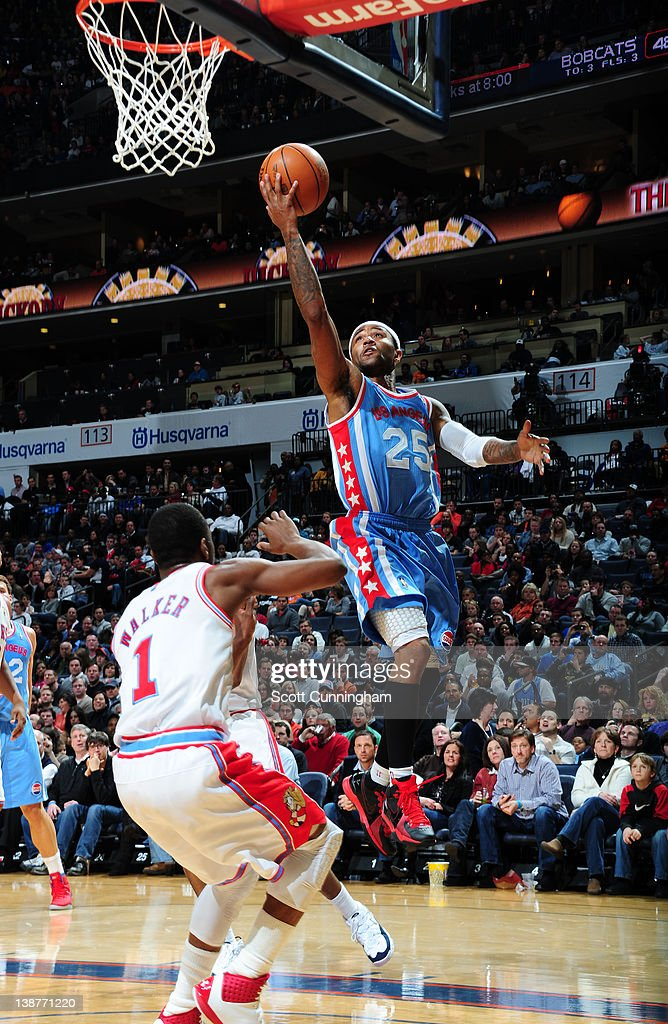 Mo Williams #25 of the Los Angeles Clippers goes to the basket during the game between the Los Angeles Clippers and the Charlotte Bobcats on February 11, 2012 at Philips Arena in Atlanta, Georgia.