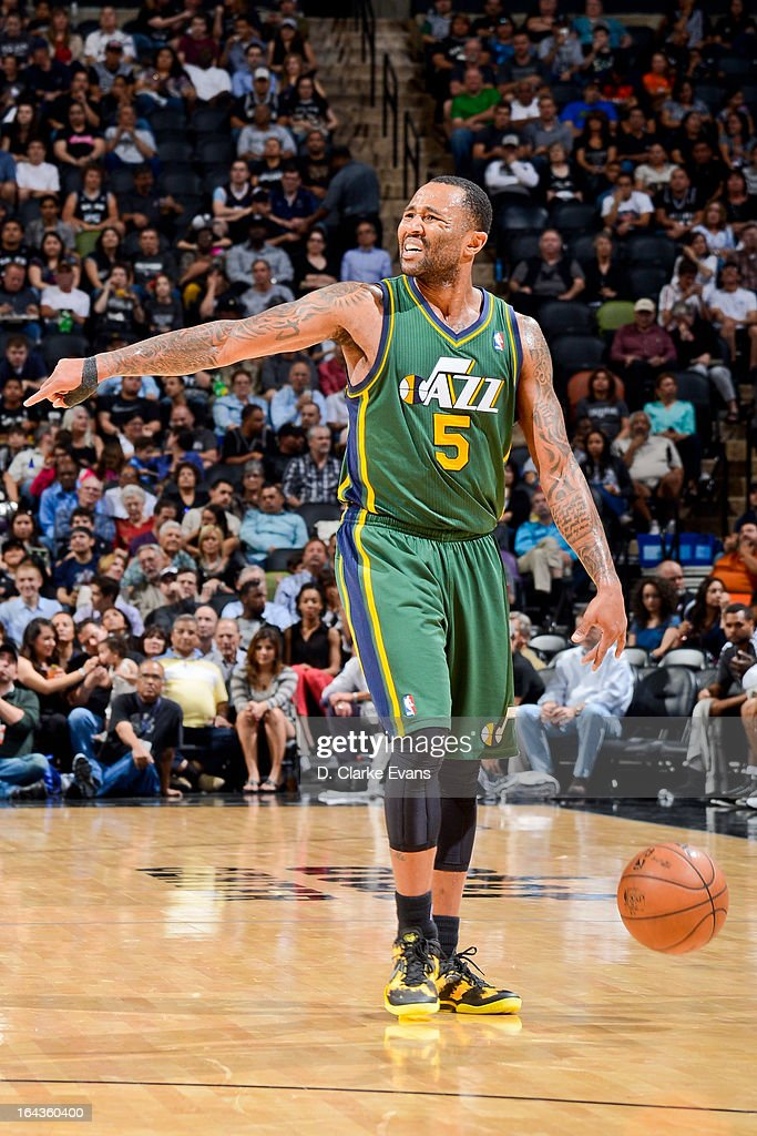 Mo Williams #5 of the Utah Jazz calls a play out to his teammates against the San Antonio Spurs on March 22, 2013 at the AT&T Center in San Antonio, Texas.