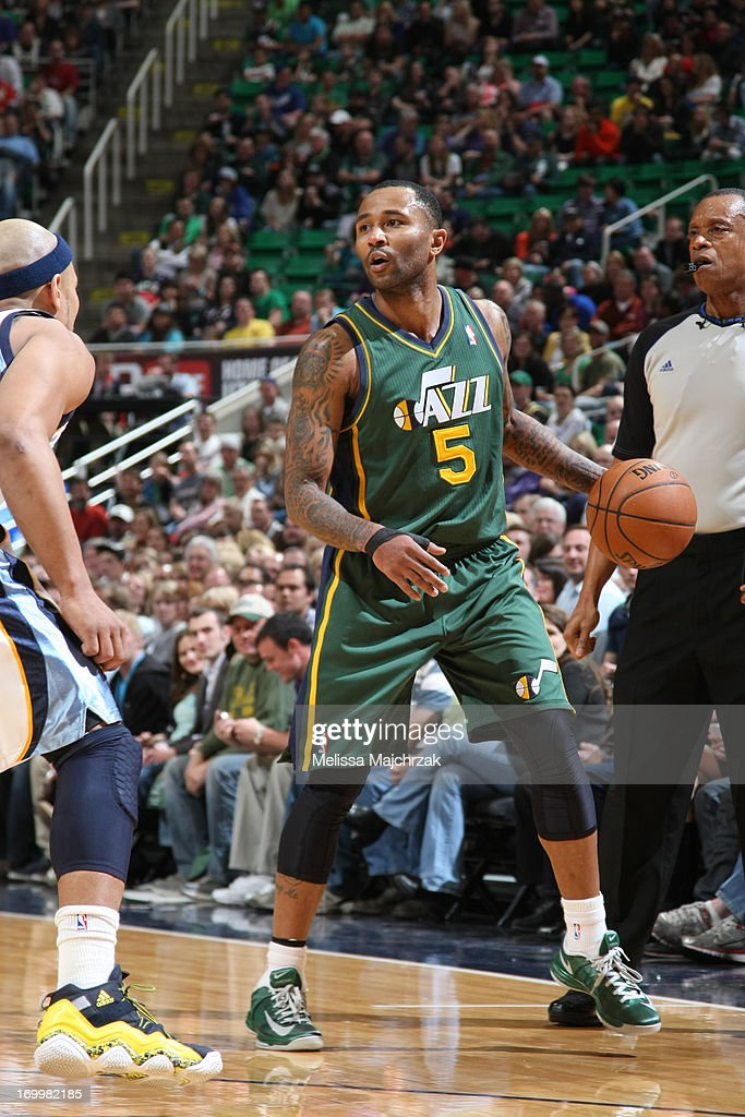 Mo Williams #5 of the Utah Jazz handles the ball against the Memphis Grizzlies at Energy Solutions Arena on March 16, 2013 in Salt Lake City, Utah.
