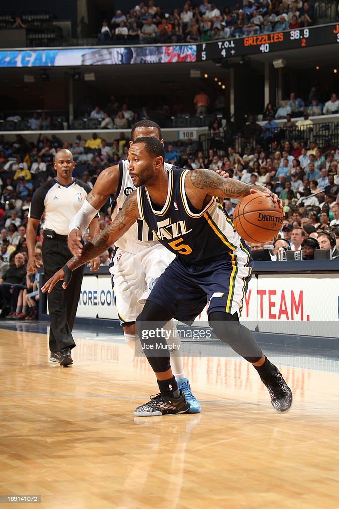 Mo Williams #5 of the Utah Jazz handles the ball against the Memphis Grizzlies on April 17, 2013 at FedExForum in Memphis, Tennessee.