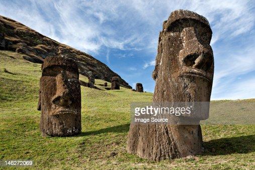 Moai statues, rano raraku, easter island, polynesia : Photo