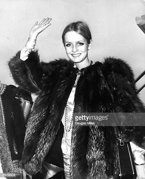 Model actress and singer Twiggy arrives at London Airport after a threeweek fashion tour to Japan