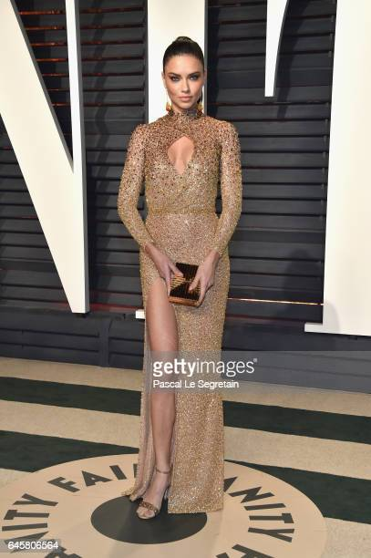 Model Adriana Lima attends the 2017 Vanity Fair Oscar Party hosted by Graydon Carter at Wallis Annenberg Center for the Performing Arts on February...