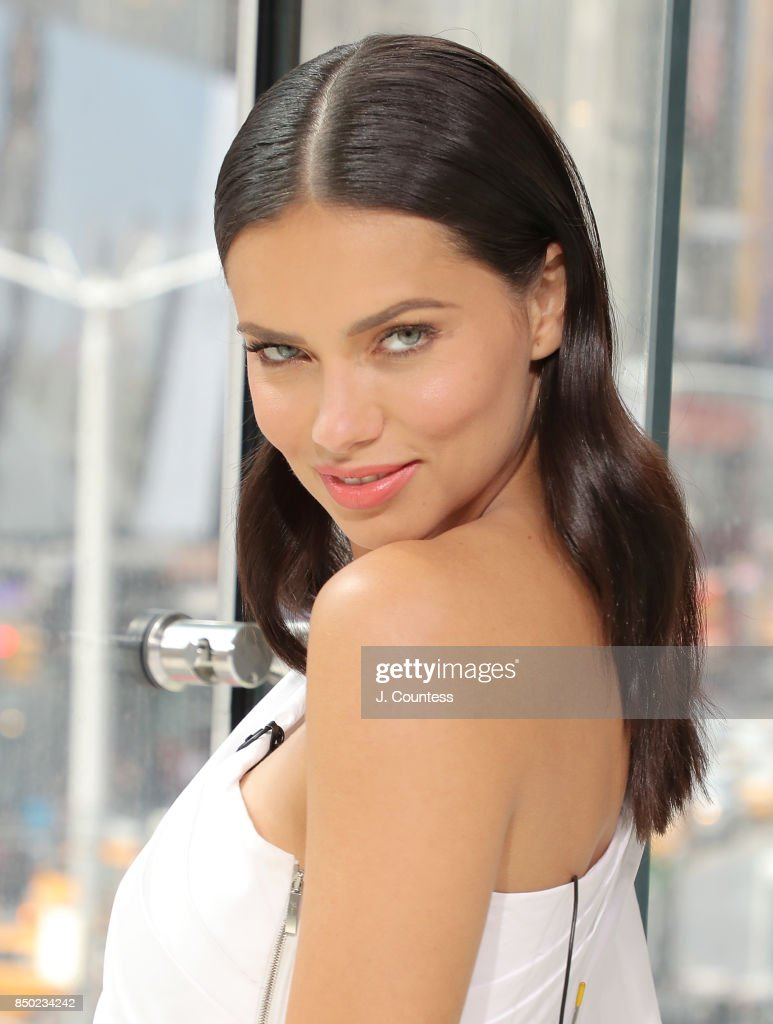 Model Adriana Lima visits 'Extra' at their New York Studios at H&M Times Square on September 20, 2017 in New York City.