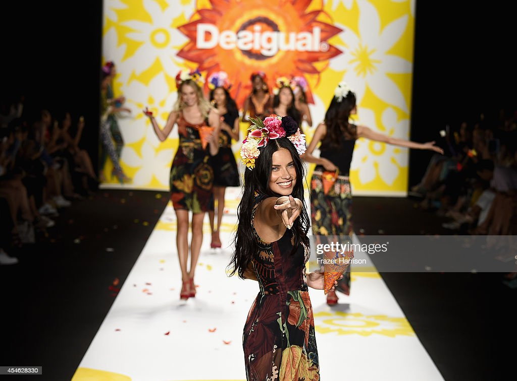 Model Adriana Lima walks the runway at the Desigual fashion show during MercedesBenz Fashion Week Spring 2015 at The Theatre at Lincoln Center on...