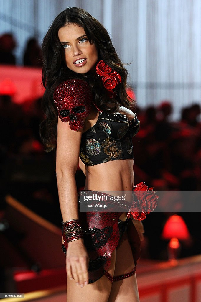 Model Adriana Lima walks the runway during the 2010 Victoria's Secret Fashion Show at the Lexington Avenue Armory on November 10, 2010 in New York City.