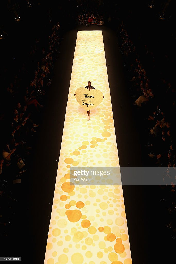 Model <a gi-track='captionPersonalityLinkClicked' href=/galleries/search?phrase=Alek+Wek&family=editorial&specificpeople=239513 ng-click='$event.stopPropagation()'>Alek Wek</a> walks the runway at Desigual fashion show during Mercedes-Benz Fashion Week Fall 2014 at Lincoln Center for the Performing Arts on February 6, 2014 in New York City.