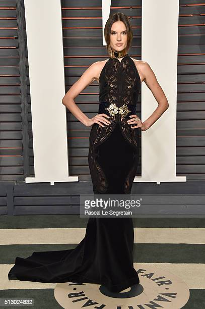 Model Alessandra Ambrosio attends the 2016 Vanity Fair Oscar Party Hosted By Graydon Carter at the Wallis Annenberg Center for the Performing Arts on...