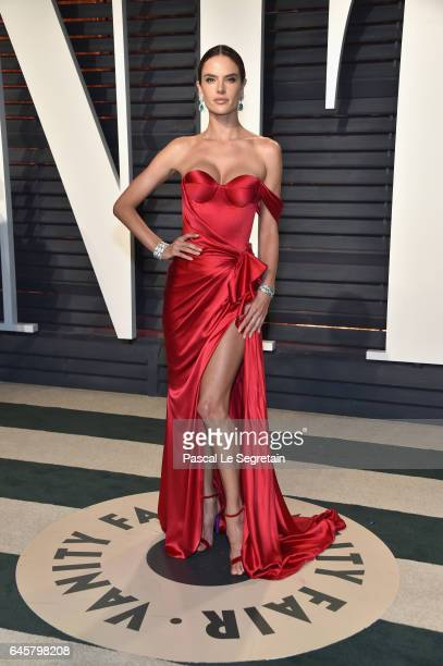 Model Alessandra Ambrosio attends the 2017 Vanity Fair Oscar Party hosted by Graydon Carter at Wallis Annenberg Center for the Performing Arts on...