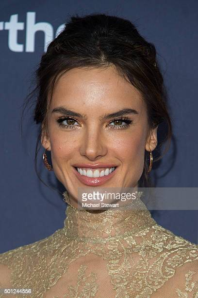 Model Alessandra Ambrosio attends the 'Daddy's Home' New York Premiere at AMC Lincoln Square Theater on December 13 2015 in New York City