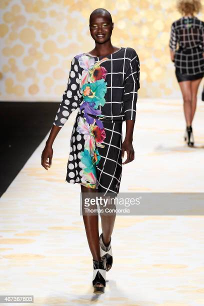 Model Alex Wek walks the runway at Desigual during MercedesBenz Fashion Week Fall 2014 at The Theatre at Lincoln Center on February 6 2014 in New...