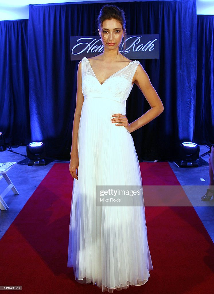 famous wedding dress designers sydney 2017
