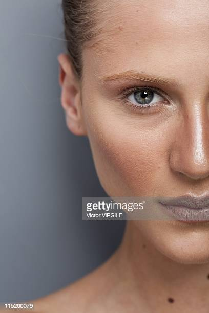 Model Alicia Kuczman poses backstage during the Patachou show Ready to Wear Spring/Summer 2012 collection as part of the Rio de Janeiro Fashion Week...
