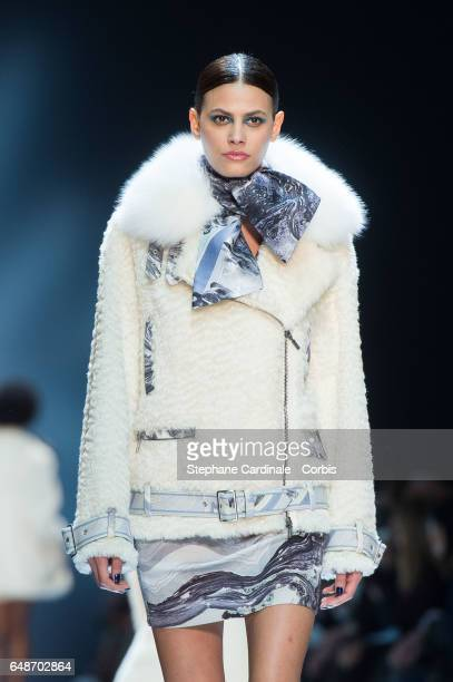 Model Alisar Ailabouni walks the runway during the Leonard show as part of the Paris Fashion Week Womenswear Fall/Winter 2017/2018 on March 6 2017 in...