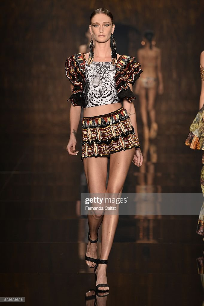 A model alks at Agua de Coco por Liana Thomaz Runway at SPFW Summer 2017 at Ibirapuera's Bienal Pavilion on April 28, 2016 in Sao Paulo, Brazil.